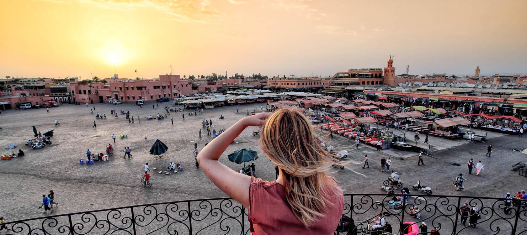 Djema el Fna platsen i Marrakech, Marocko.
