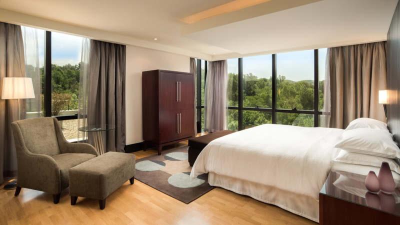 Dubbelrum på det 4-stjärniga hotellet Mak Albania i Tirana, Albanien.