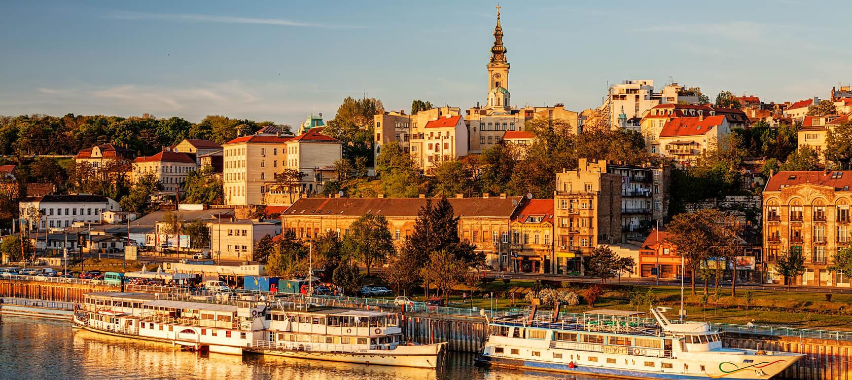 Res till Bledgrad och åk på båttur på Donau och Sava.