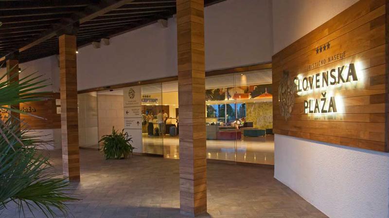 Entrédel till hotell Slovenska Plaza