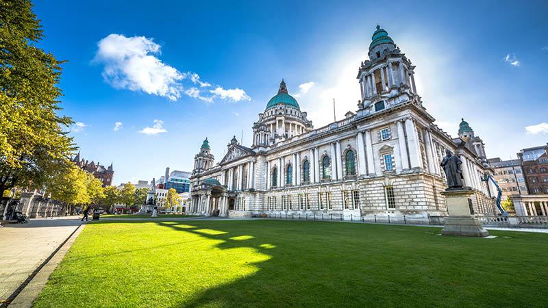 vackra stadshuset i belfast på resa till nordirland