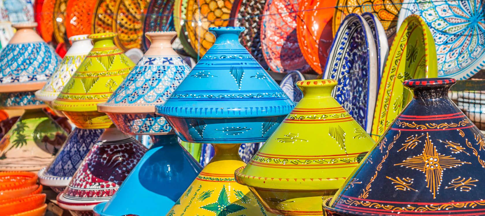 Keramik på marknad i Marrakech.