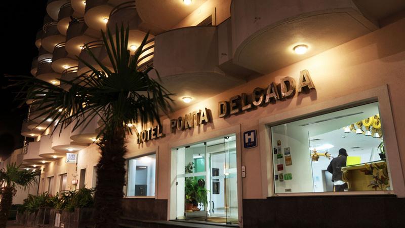 Hotell Ponta Delgada i centrala Ponta Delgada på ön São Miguel, Azorerna.