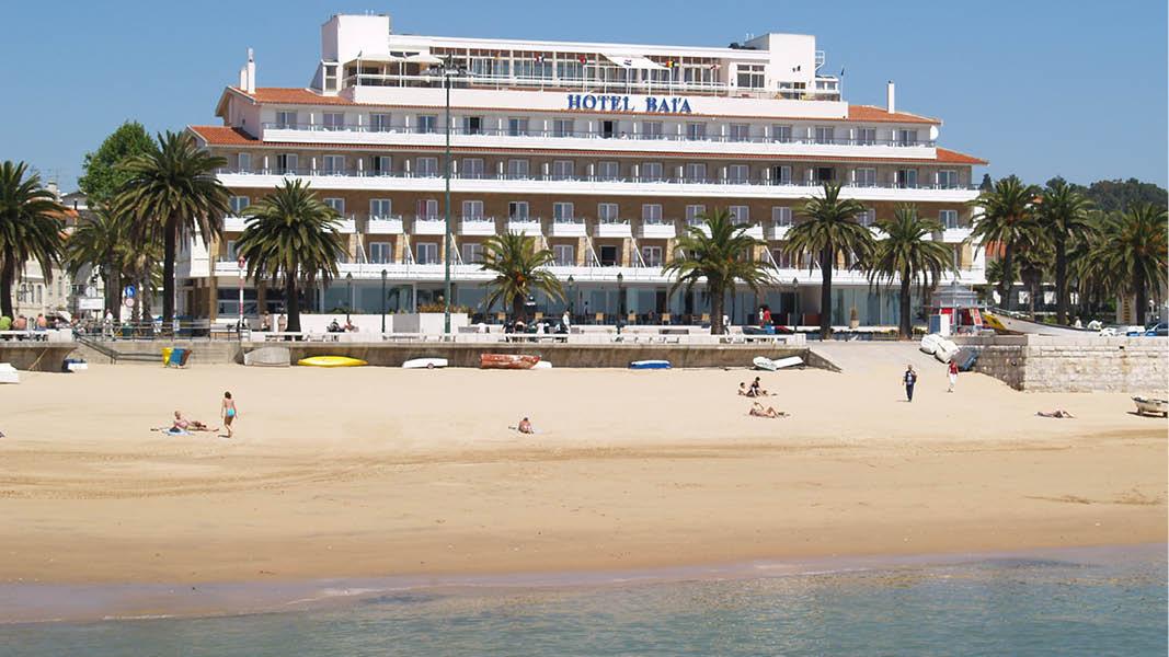 Hotel Baia beläget intill stranden i Cascais på en resa till Portugal.