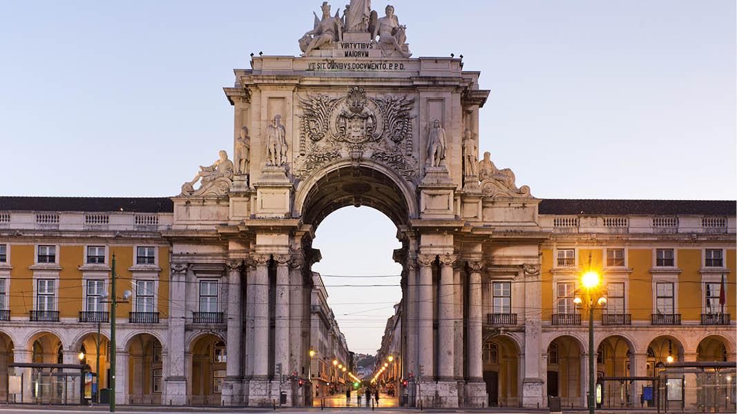 Solnedgång över Lissabon, populärt resmål i Portugal.