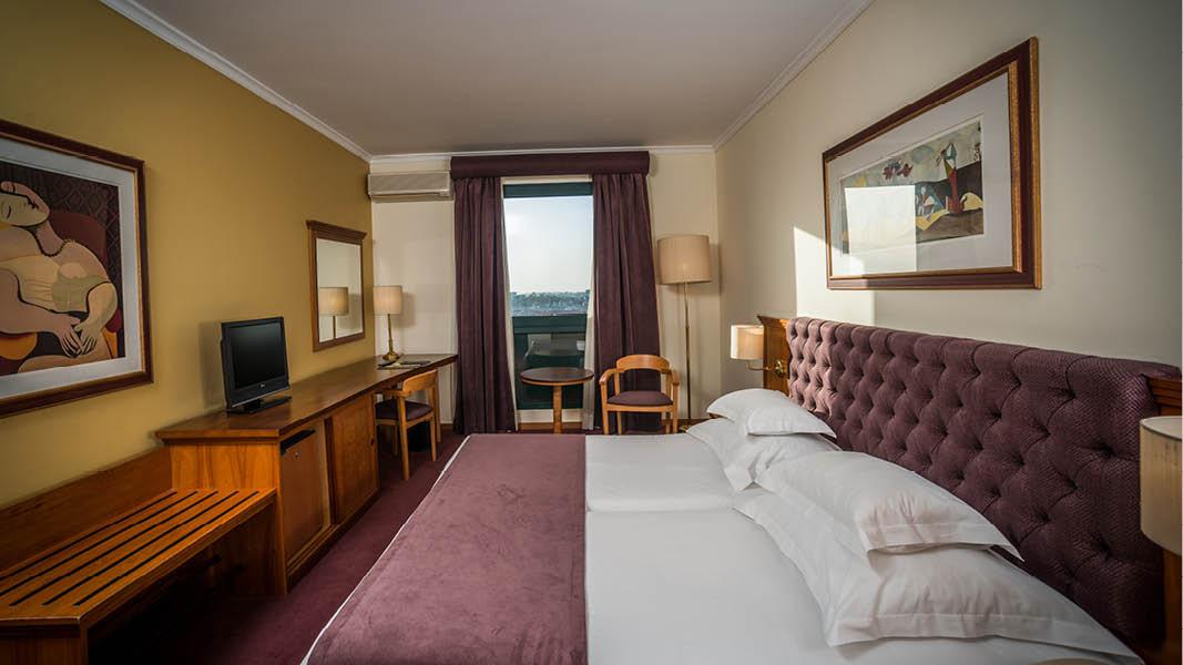 Dubbelrum med utsikt på hotellet Vila Gale Porto.
