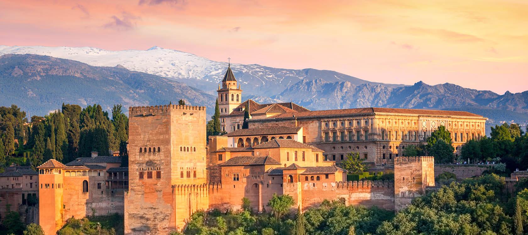 alhambra och granada med sevärdheter i spanien