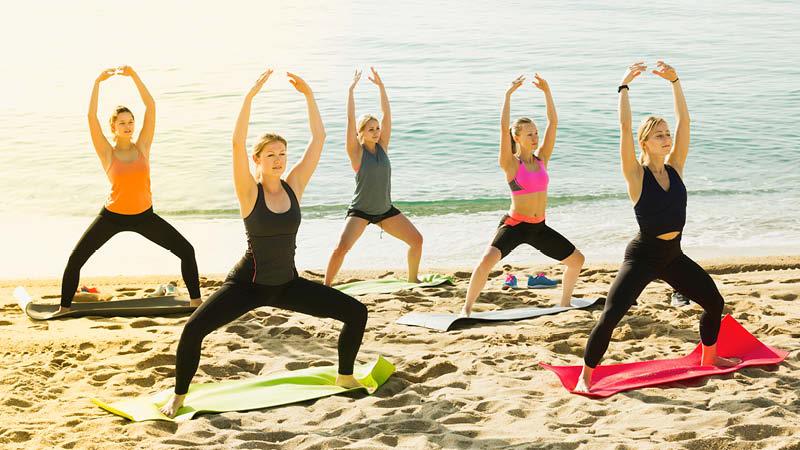 Yoga, träningspass och mental coachning på MåBras hälsoresa i Spanien.
