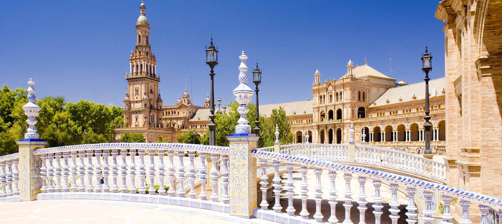 Fantastiska Plaza de Espana i Sevilla.