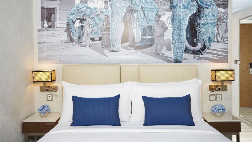 Varje rum på fyrstjärniga hotellet OZO Kandy i Kandy, Sri Lanka är luftkonditionerat, har ett badrum med hårfön och en sittgrupp.
