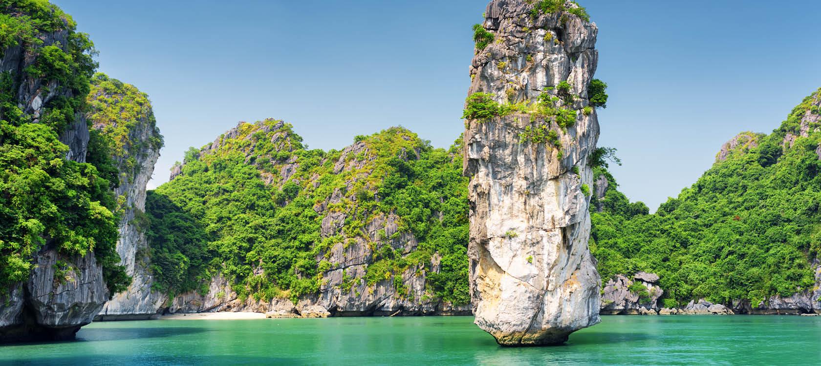 Vackra Halong bukten i norra Vietnam.